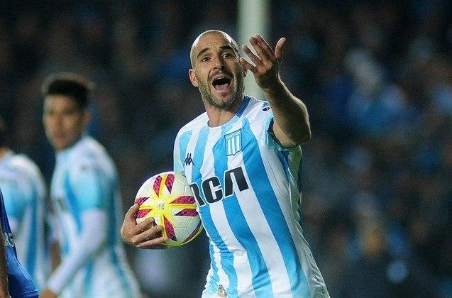 """Lisandro Lopez – O """"Homem gol"""" do Racing é o experiente Lisandro Lopez, de 37 anos. O time de Avellaneda recebe o Flamengo hoje, às 21h30, para o primeiro jogo das oitavas da Libertadores."""