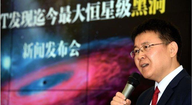 Liu Jifeng, do Observatório Astronômico Nacional da China, é o coordenador de um grupo de cientistas que publicou um estudo sobre as descobertas do maior buraco negro já visto
