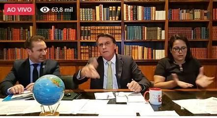 O presidente Bolsonaro, durante transmissão em rede social