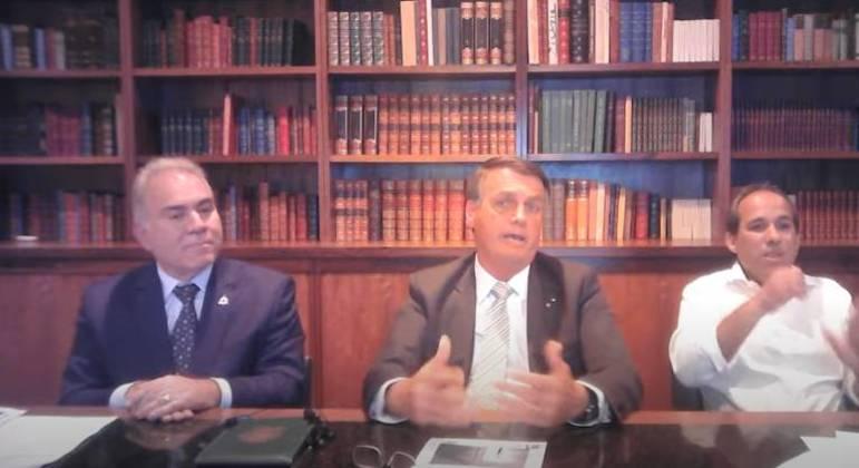 Bolsonaro respondeu criticando eficácia da CoronaVac