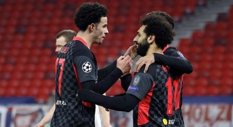 RB Leipzig 0 X 2 Liverpool, o abraço de Curtis Jones em Salah