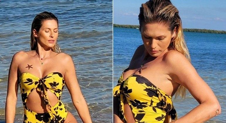 Lívia Andrade em praia dos Estados Unidos