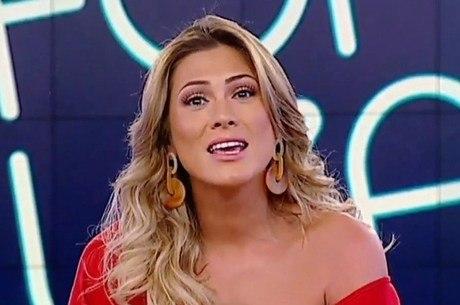 Lívia Andrade é novamente afastada de suas funções