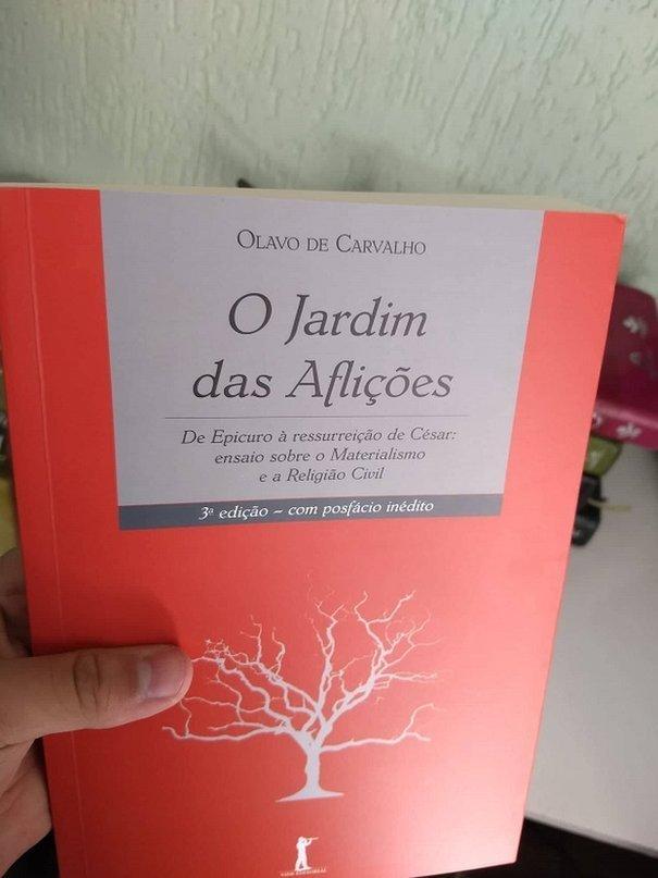 Arthur diz que Olavo de Carvalho é uma de suas principais referências
