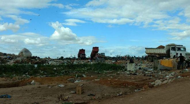 Cai número de municípios que enviam resíduos a lixões, diz Abetre