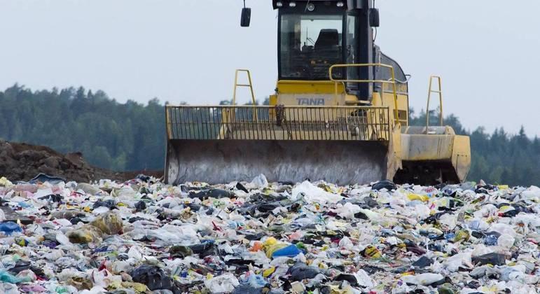 Desperdício é incentivado porque os moradores não sabem o real custo da geração de lixo