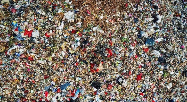 Cada habitante brasileiro gera, em média, 1 quilo de resíduos ao dia