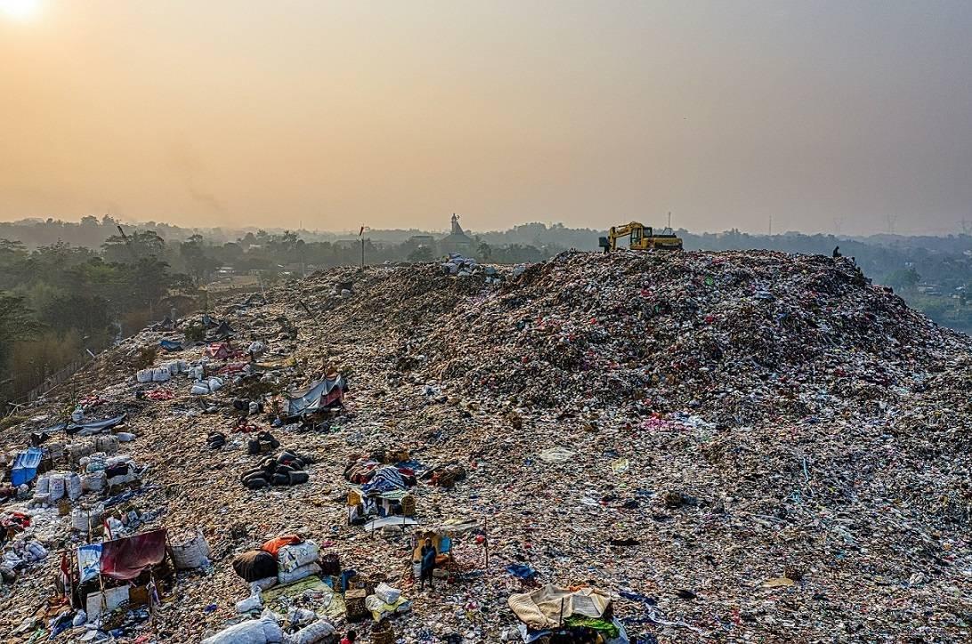 Lixões causam danos ambientais inestimáveis e sociais de longo prazo na população
