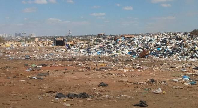 Pequenas cidades ainda encontram dificuldades para se livrar dos lixões