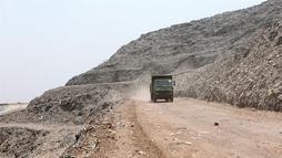 'Monte Everest' de lixo da Índia será mais alto que o Taj Mahal até 2020 (Harish Tyagi / EPA / EFE / 5.6.2019)