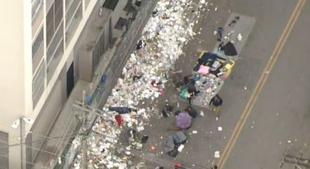 Lixo está espalhado pelas ruas da Cracolândia
