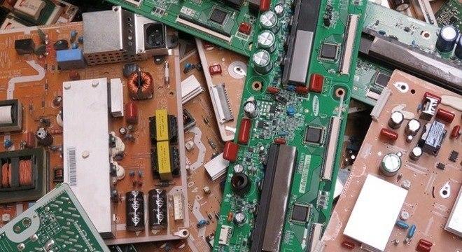 Lixo eletrônico é pouco reciclado e pode causar graves danos ao meio ambiente