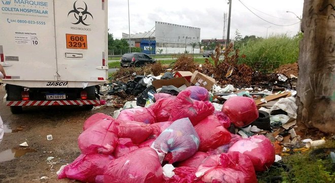 Pacientes com covid-19 geram cerca de 7,5 quilos de lixo hospitalar por dia