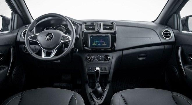 Interior do Logan Iconic repete a simplicidade da linha Renault mas preço é o mais convidativo