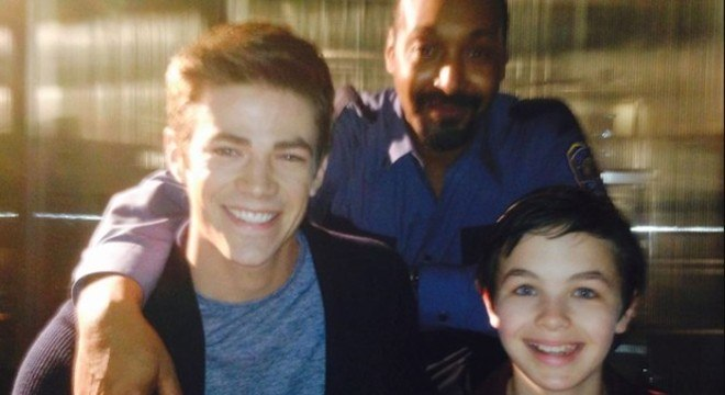 Grant Gustin lamentou a morte do amigo Logan no Instagram