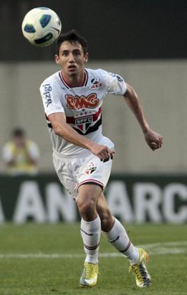 Logo depois, o jogador foi repassado por empréstimo para a Roma. Saiu do clube sem empolgar a torcida são-paulina.