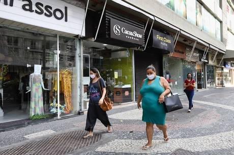 Lojas do Rio podem funcionar das 11h às 17h