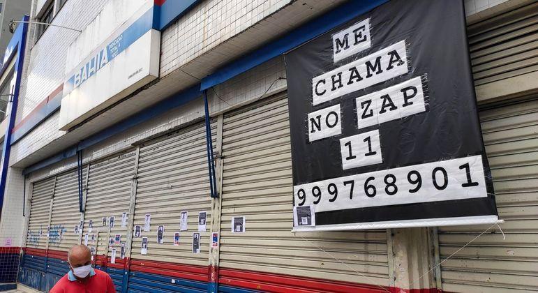 Lojas fechadas na região da Lapa, em São Paulo