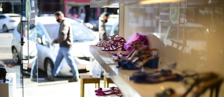 CNC prevê que Dia dos Namorados terá queda de 43,1% nas vendas
