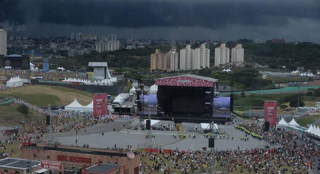 O céu ficou carregado na região de Interlagos