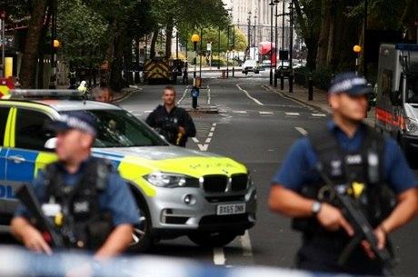 Motorista atropelou ciclistas e pedestres em Londres
