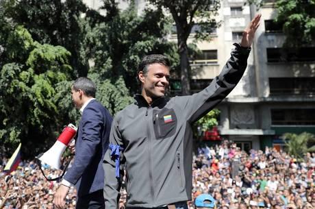 López está na Embaixada da Espanha em Caracas