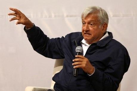 López Obrador se manteve na dianteira de corrida presidencial