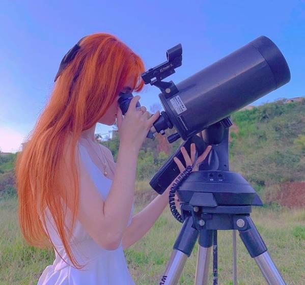 A jovem é apaixonada por astronomia desde os quatro anos