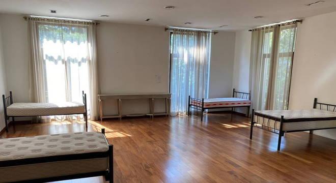 Residência tem espaço para abrigar até 100 profissionais de saúde