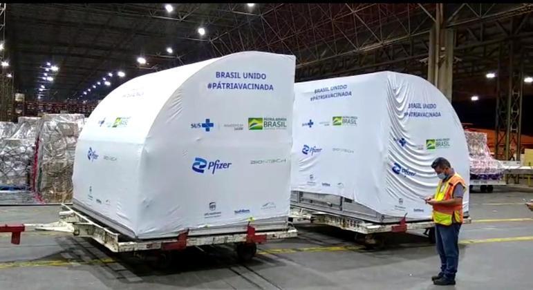 Ministro Marcelo Queiroga prevê que Brasil deve comprar mais 100 milhões de doses da Pfizer