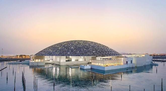 O quadro seria exposto no Louvre de Abu Dhabi, mas a exposição foi cancelada