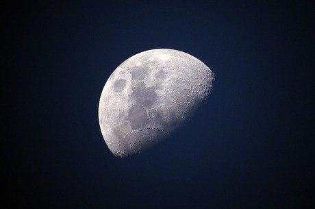 Índia aborta missão para explorar polo sul da Lua