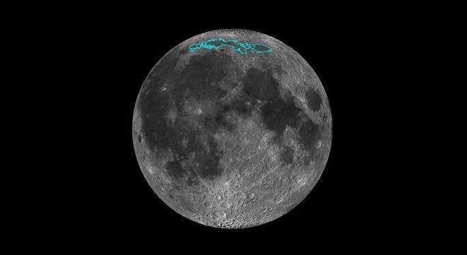 Conforme a Lua perde temperatura diminui de tamanho