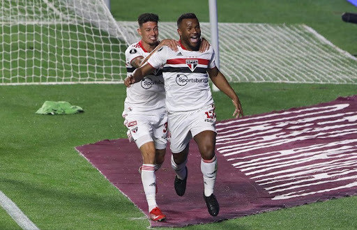 São Paulo jogou muito melhor que o Palmeiras na semana passada. Deveria ter vencido