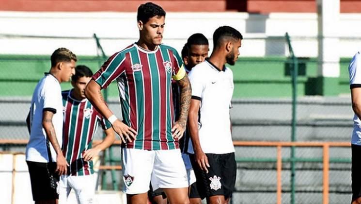 Luan Freitas - 20 anos - zagueiro - contrato com o Fluminense até 29/11/2022