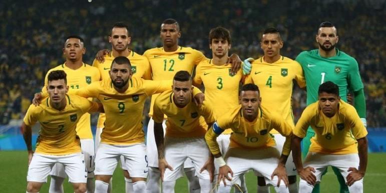Luan - Renato Augusto foi companheiro do meia nos Jogos Olímpicos de 2016, no Rio de Janeiro, onde conquistaram a medalha de ouro para a Seleção Brasileira.