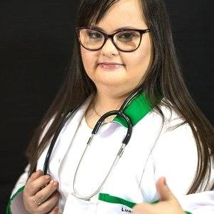 A jovem também é a primeira pessoa com síndrome de Down a concluir graduação em fisioterapia