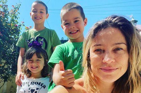 Piovani celebrou ao reencontrar os 3 filhos
