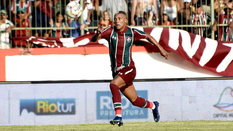 Lucas Barcelos - Atualmente jogador do Figueirense, o atacante recebeu algumas oportunidades durante o Carioca, entrando até no clássico com o Flamengo. Fez quatro jogos pelo Flu em janeiro e só se transferiu em novembro.