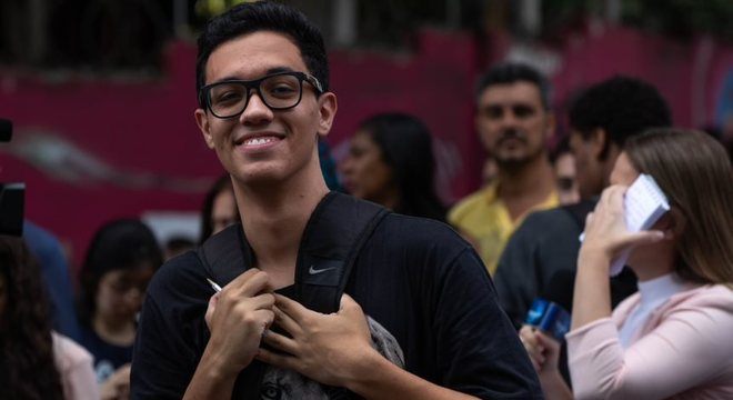 Lucas Antonio, 17 anos, no Enem pela 1ª vez, se preocupa com as questões de química