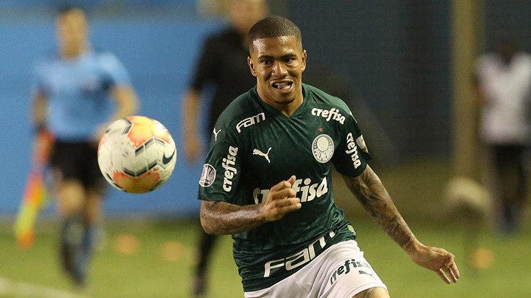 Lucas Esteves - Lateral-esquerdo - 21 anos - Contrato até: 31/12/2024