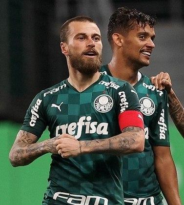 Lucas Lima: Apesar do começo de temporada promissor, Lucas Lima é reserva no Palmeiras e não mostrou o bom futebol da época do Santos. A torcida alviverde parece estar cansada com o camisa 20