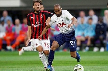 Lucas Moura puxou jogadas ofensivas do Tottenham