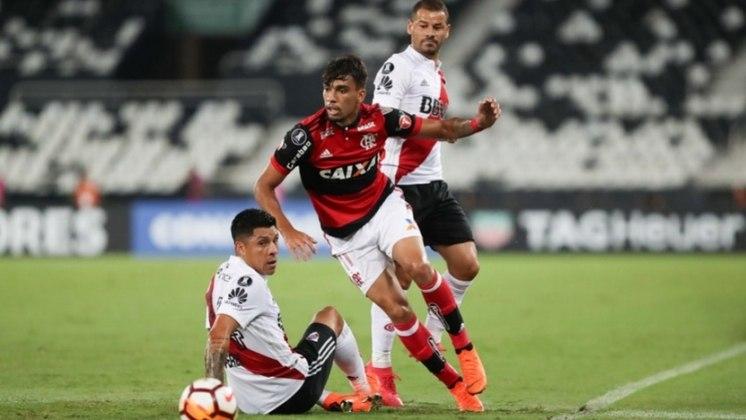 Lucas Paquetá - 35 milhões de euros (R$ 149 milhões), sendo que o Flamengo ficou com 70% (R$ 104 milhões)