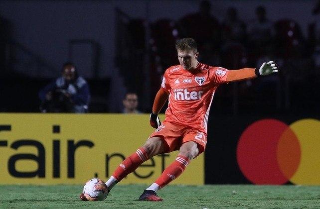 Lucas Perri - o arqueiro reserva do São Paulo, de 23 anos, tem vínculo com o Tricolor até janeiro de 2023.