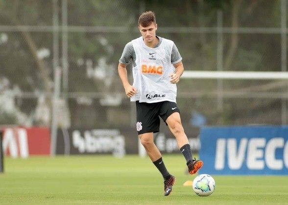 Lucas Piton treinou com o grupo e deve retornar aos jogos em breve.