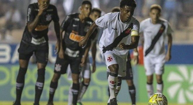 Lucas Santos errou no tempo normal, mas fez o seu na cobrança de penalidades