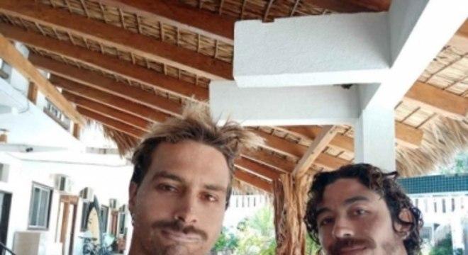 Lucas Silveira e Yago Dora no México