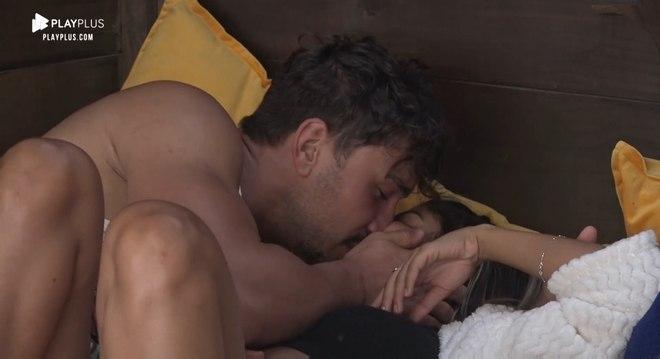 Hari Almeida e Lucas Viana namoraram durante o reality