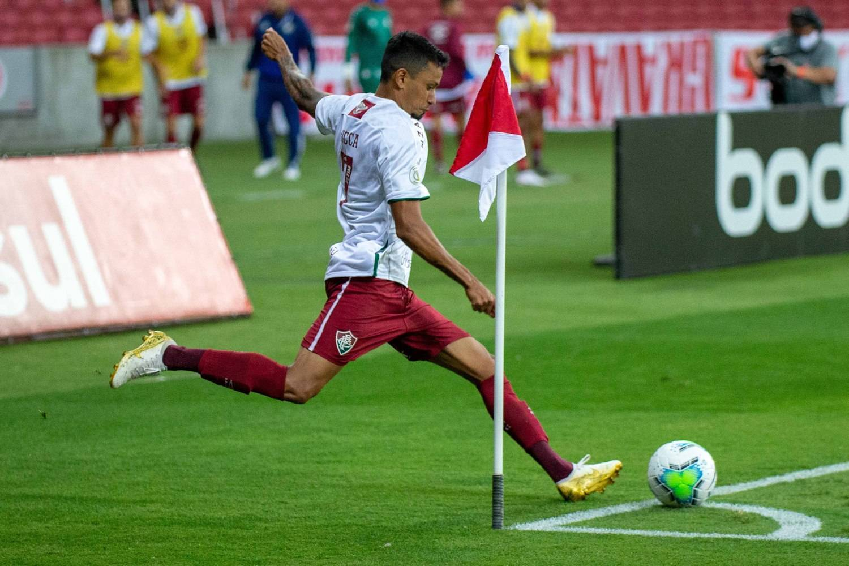 Lucca cobrou escanteio e fez gol olímpico para o Fluminense